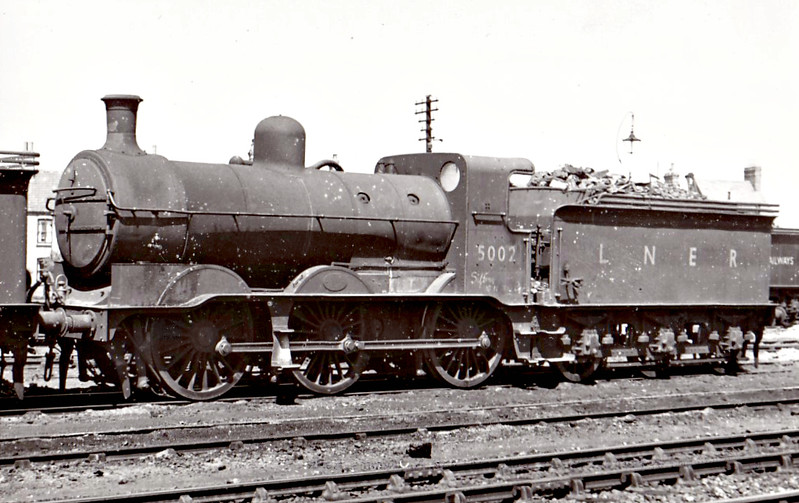 Class J 1 - 5002 - Ivatt GNR 0-6-0 - built 09/08 by Doncaster Works as GNR No.3 - 1923 to LNER No.3003, 05/46 to LNER No.5002, 02/51 to BR No.65002 - 08/54 withdrawn from 38A Colwick - seen here at Spalding, 05/48.