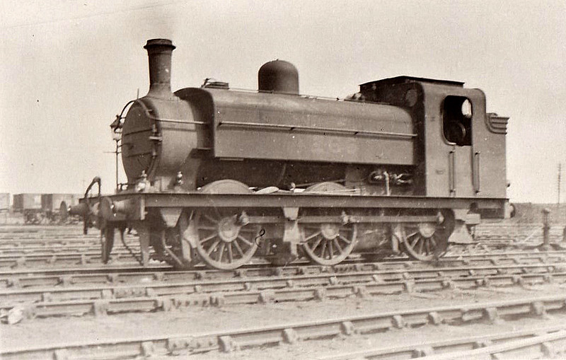Class J52 - 1266 - Ivatt GNR Class J13 0-6-0ST - built 03/02 by Doncaster Works - 02/26 to LNER No.4266, 11/46 to LNER No.8865, 03/48 to BR No.68865 - 10/55 withdrawn from 36A Doncaster.