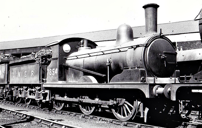 Class J15 - 7854 - Holden GER Class Y14 0-6-0 - built 10/1889 by Stratford Works as GER No.854 - 1924 to LNER No.7854, 11/46 to LNER No.5372, 05/49 to BR No.65372 - 09/49 withdrawn from 31B March - seen here at New England, 09/37.