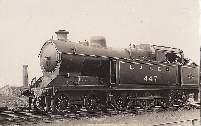 Class A5 - 447 - Robinson GCR Class 9N 4-6-2T - built 07/11 by Gorton Works as GCR No.447 - 03/25 to LNER No.5447 - 12/42 withdrawn from Neasden MPD - seen here very shortly after Grouping.