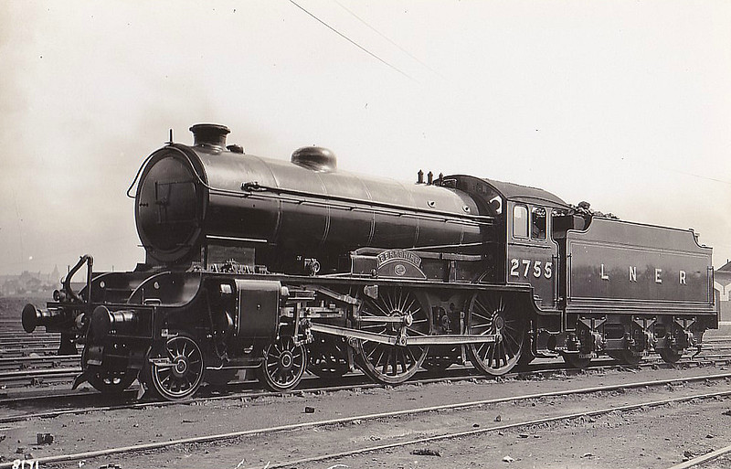 Class D49 - 2755 BERKSHIRE - Gresley LNER Hunt Class 4-4-0 - built 03/29 by Darlington Works - 06/46 to LNER No.2730, 10/48 to BR No.62730 - 12/58 withdrawn from 50C Selby.