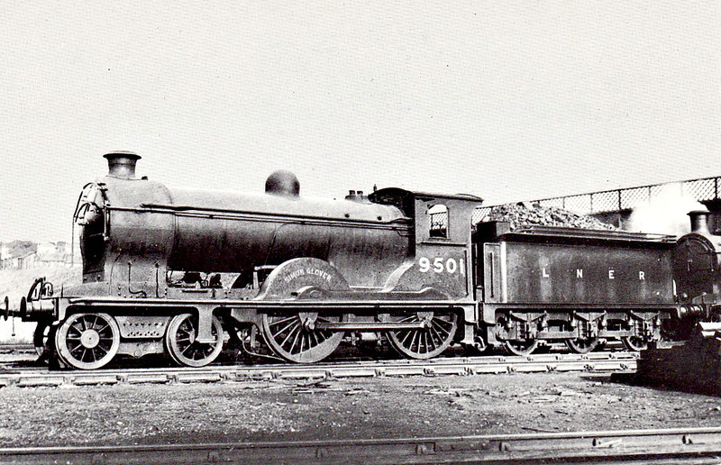 Class D30 - 9501 SIMON GLOVER -  Reid NBR 'Scott' Class J 4-4-0 - built 12/20 by Cowlairs Works as NBR No.501 - 1924 to LNER No.9501, 1946 to LNER No.2442, 11/48 to BR No.62442 - 07/58 withdrawn from 62A Thornton Junction. - seen here at Eastfield.