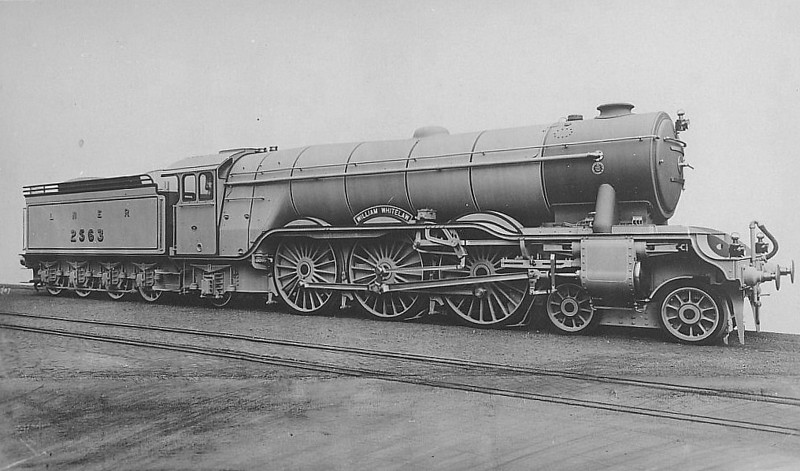 Class A3 - 2563 WILLIAM WHITELAW - Gresley 4-6-2 - built 07/24 by North British Loco Co. - 08/41 name removed to fit to Class A4 60004, renamed TAGALIE - 10/46 to LNER No.64, 07/49 to BR No.60064 - 09/61 withdrawn from 34F Grantham - seen here as built with short chimney for running over North British lines.
