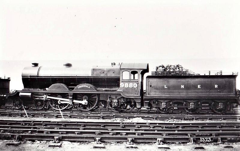 Class C11 - 9880 TWEEDDALE - Reid NBR Class I LNER Class C10 4-4-2 - built 08/06 byNorth British Loco Co. as NBR No.880 - 11/23 rebuilt to Class C11 - 1924 to LNER No.9880 - 10/36 withdrawn from Haymarket MPD.
