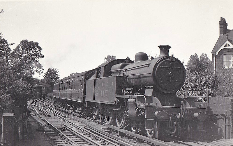 Class H2 - 6417 - Jones Metropolitan Railway 4-4-4T - built 11/20 by Kerr Stuart & Co. as Met No.105 - 03/38 to LNER No.6417, 09/46 to LNER No.7512 - 10/47 withdrawn from Colwick MPD.