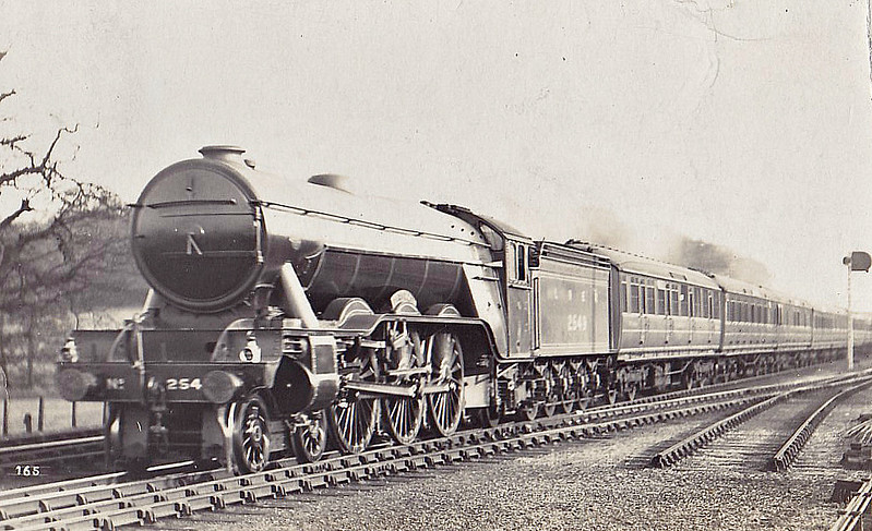 Class A3 - 2549 PERSIMMON - Gresley LNER 4-6-2 - built 10/24 by Doncaster Works - 07/46 to LNER No.50, 08/48 to BR No.60050 - 06/63 withdrawn from 34E New England.