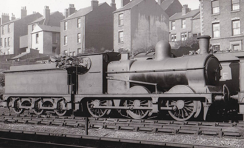 Class J10 - 5677 - Robinson GCR Class 9J 0-6-0 - built 09/1892 by Kitson & Co. as GCR No.677 - 09/24 to LNER No.5677 - 11/35 withdrawn - seen here at Neepsend, Sheffield.