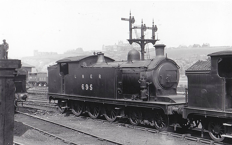 Class A6 - 695 - Worsdell/Raven NER 4-6-2T - built 04/08 by Gateshead Works - 07/46 to LNER No.9799 - BR No.69799 not applied - 02/50 withdrawn from 50D Starbeck - seen here at Whitby, 06/35.