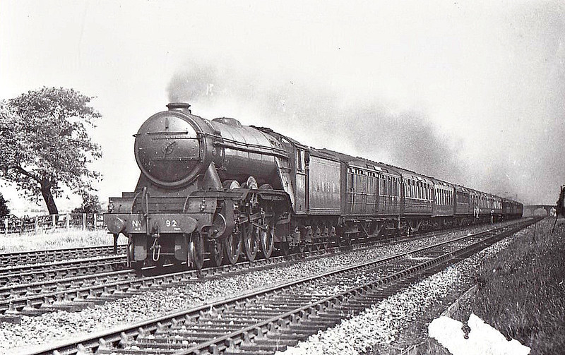 Class A3 -   92 FAIRWAY - Gresley 4-6-2 - built 10/28 by Doncaster Works  - 10/46 to LNER No.92, 04/49 to BR No.60092 - 10/64 withdrawn from 52A Gateshead - seen here at Beningborough.