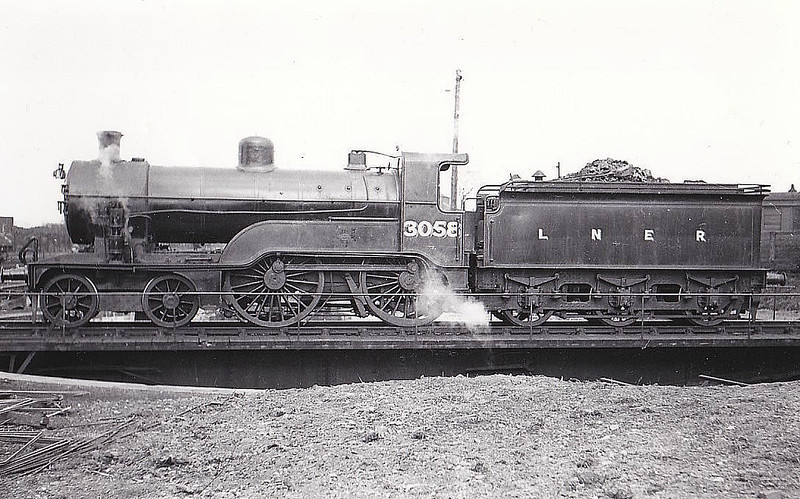 Class D 1 - 3058 - Ivatt GNR 4-4-0 - built 04/11 by Doncaster Works as GNR No.58 - 1923 to LNER No.3058, 06/46 to LNER No.2209 - BR No.62209 not applied - 11/50 withdrawn from 63B Stirling - last of the class in traffic.