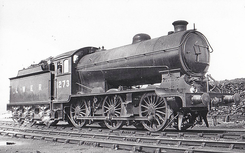 Class J39 - 1273 - Gresley LNER 0-6-0 - built 05/27 by Darlington Works - 04/46 to LNER No.4729, 02/49 to BR No.64729 - 03/61 withdrawn from 40F Boston - seen here at Doncaster.
