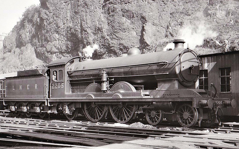 Class C7 - 2205 - Raven NER Class Z 4-4-2 - built 11/16 by Darlington Works - 02/45 withdrawn from Tweedmouth MPD - seen here at Edinburgh Waverley, 1935.