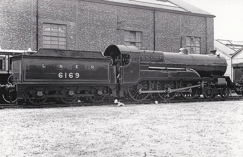 Class B 3 - 6169 LORD FARINGDON - Robinson GCR Class 9P 'Lord Faringdon' 4-6-0 - built 11/17 by Gorton Works as GCR No.1169 - 06/25 to LNER No.6169, 09/46 to LNER No.1494 - 12/47 withdrawn from Lincoln MPD - seen here at Faverdale, 07/25, for the Stockton & Darlington Centenary Parade, in which it was loco no.28.