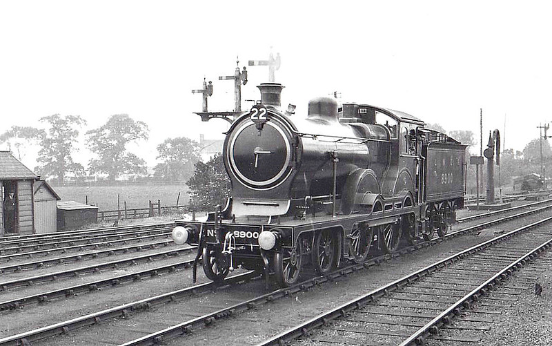 Class D15 - 8900 CLAUD HAMILTON - Holden 4-4-0 - built 03/00 by Stratford Works as GER No.1900 - 1924 to LNER No.8900, 02/33 rebuilt to Class D16, 04/46 to LNER No.2500 - 05/47 withdrawn from 30A Stratford - seen here at Faverdale participating in the July 1925 S&D Centenary Parade.