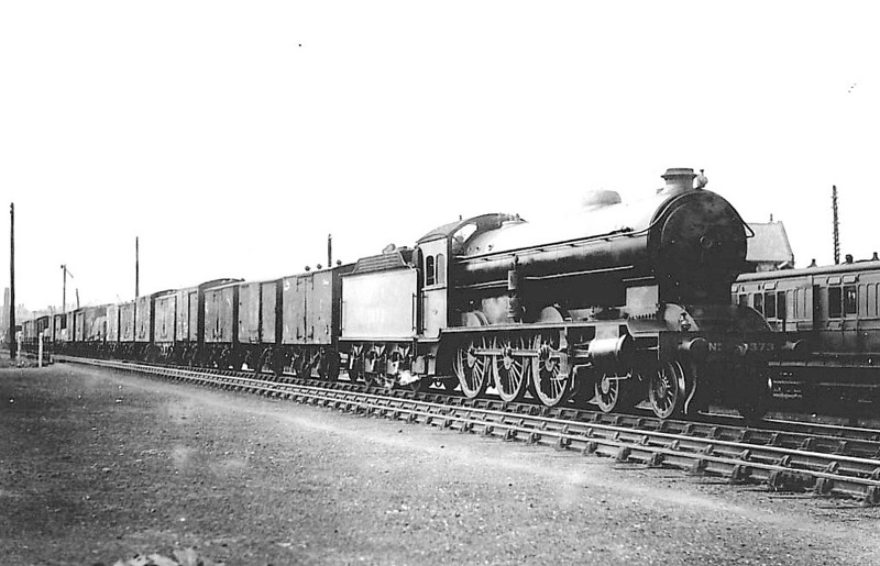 Class B16 - 1373 - Raven NER/LNER Class S3 4-6-0 - built 10/23 by Darlington Works - 08/46 to LNER No.1456, 07/50 to BR No.61456 - 08/60 withdrawn from 50A York North.