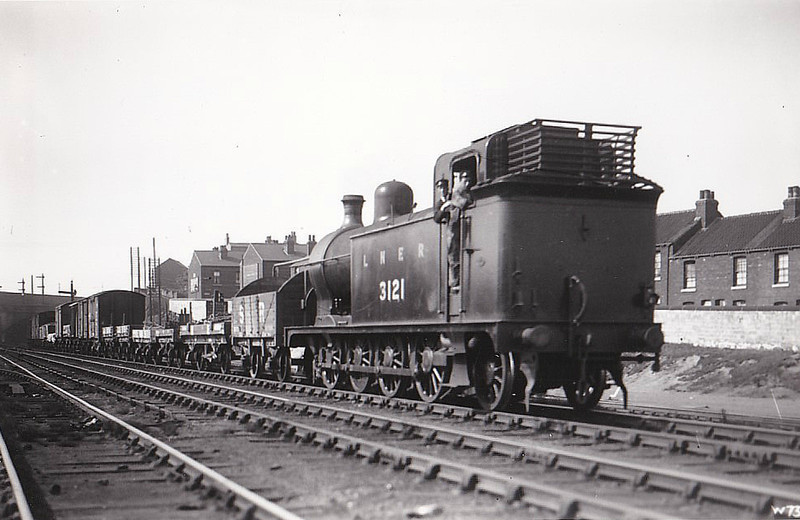Class R1 - 3121 - Ivatt GNR Class L1 0-8-2T - built 11/04 by Doncaster Works as GNR No.121 - 1924 to LNER No.3121 - 09/31 withdrawn from Colwick MPD.
