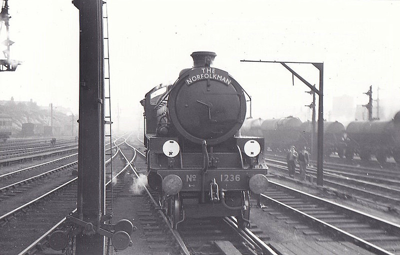 Class B1 - 1236 - Thompson LNER/BR 4-6-0 - built 09/47 by North British Loco Co. - 02/49 to BR No.61236 - 09/62 withdrawn from 31B March - seen here at Norwich Thorpe, backing out after bringing in 'The Norfolkman', 09/48.