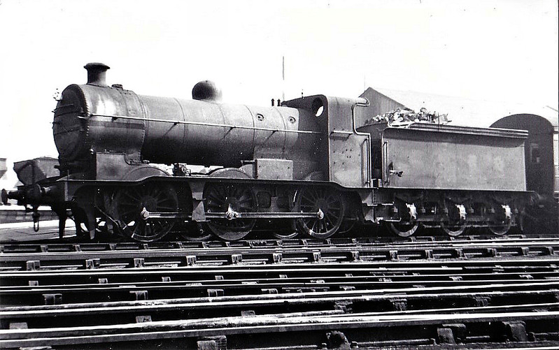 Class J 6 - 4199 -  Ivatt GNR 0-6-0 - built 05/13 by Doncaster Works as GNR No.550 - 11/25 to LNER No.3550, 03/46 to LNER No.4199, 05/48 to BR No.64199 - 04/58 withdrawn from 38A Colwick - seen here at Grantham, 04/47.