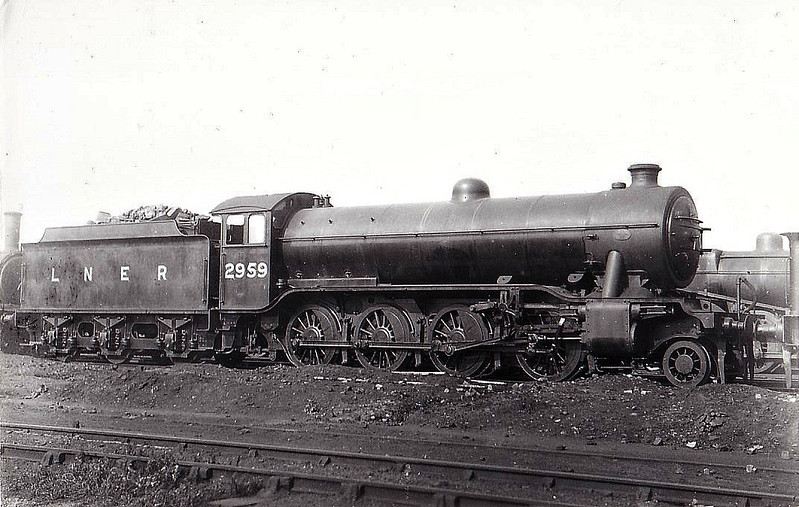 Class O2 - 2959 - Gresley GNR/LNER 2-8-0 - built 07/32 by Doncaster Works - 01/47 to LNER No.3952, 02/49 to BR No.63921 - 04/61 withdrawn from 36A Doncaster.