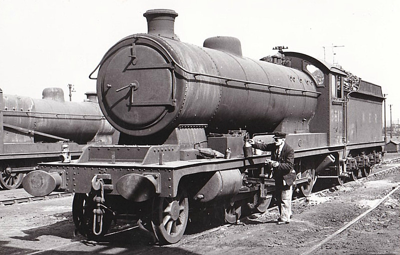 Class O4 - 3613 - Robinson GCR Class 8K 2-8-0 - built 02/14 by Gorton Works as GCR No.388 - 02/24 to LNER No.5388, 04/46 to LNER No.3613, 10/48 to BR No.63613 - 07/65 withdrawn from 36A Doncaster - seen here at Colwick, 04.49.