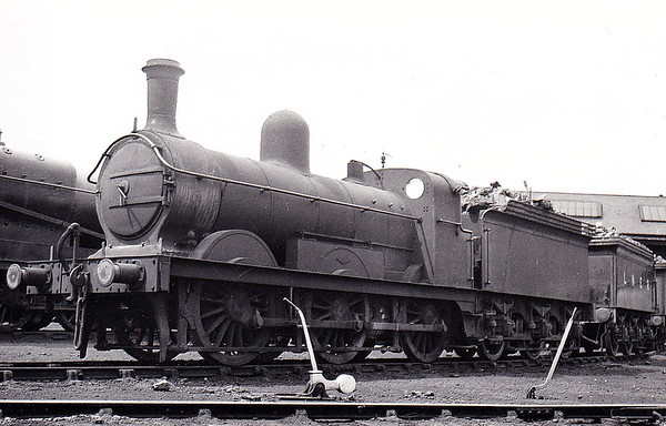 Class J 4 - 4040 - Ivatt GNR Class J5 0-6-0 - built 07/1896 by Doncaster Works as GNR No.1040 - 02/25 to LNER No.4040, 07/46 to LNER No.4109 - BR No.64109 not applied - 10/49 withdrawn from 35A New England - seen here at New England in June 1935.
