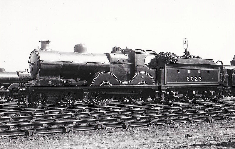 Class D9 - 6023 - Robinson GCR Class 11B 4-4-0 - built 02/02 by Sharp Stewart & Co. as GCR No.1023 - 11/25 to LNER No.6023, 07/46 to LNER No.2305, 06/48 to BR No.62305 - 08/49 withdrawn from 13A Trafford Park - seen here at Gorton.