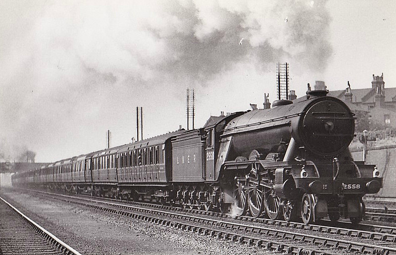 Class A3 - 2558 TRACERY - Gresley 4-6-2 - built 03/25 by Doncaster Works - 10/46 to LNER No.59, 07/48 to BR No.60059 - 12/62 withdrawn from 34A Kings Cross.