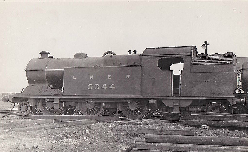 Class L3 - 5344 - Robinson GCR Class 1B 2-6-4T - built 08/16 by Gorton Works as GCR No.344 - 07/25 to LNER No.5344, 09/46 to LNER No.9063 - 07/47 withdrawn from Sheffield Darnall MPD.
