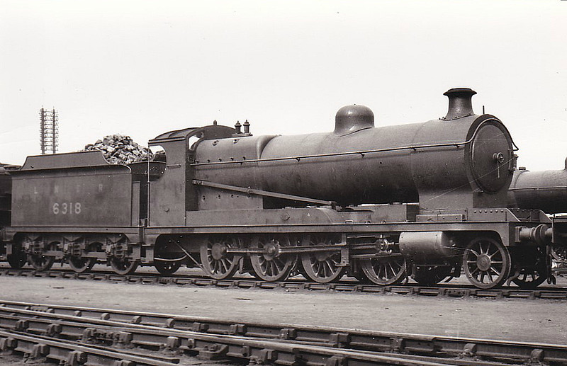 Class O4 - 6318 - Robinson GCR/LNER 2-8-0 - built 11/18 by Robert Stephenson & Hawthorn Ltd. as ROD No.1688 - 04/24 to LNER No.6318, 08/46 to LNER No.3708, 05/48 to BR No.63708 - 09/62 withdrawn from 40B Immingham.
