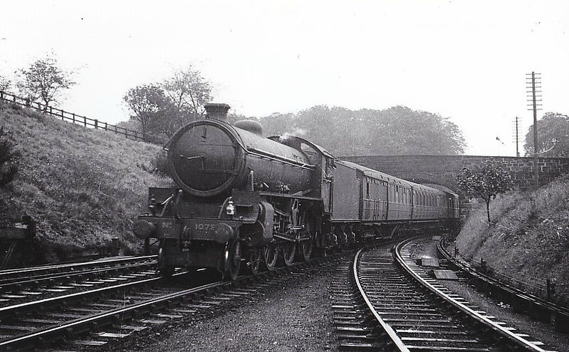 Class B 1 - 1079 - Thompson LNER/BR 4-6-0 - built 09/46 by North British Loco Co. - 04/48 to BR No.61079 - 06/62 withdrawn from 40B Immingham - seen here at Dunfermline, 10/46.
