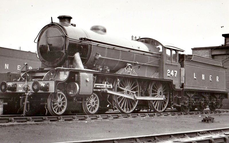 CLASS D49 - 247 THE BLANKNEY -  Gresley LNER 4-4-0 - built 07/32 by Darlington Works - 09/46 to LNER No.2741, 08/49 to BR No.62741 - 10/58 withdrawn from 53B Hull Botanic Gardens - seen here when new.