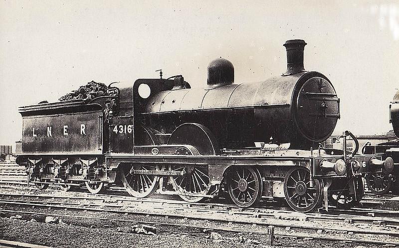 Class D 3 - 4316 - Ivatt GNR Class D3 4-4-0 - built 04/1898 by Doncaster Works as GNR No.1316 - 02/25 to LNER No.4316, 12/46 to LNER No.2131, 03/48 to BR No.62131 - 10/49 withdrawn from 35A New England.
