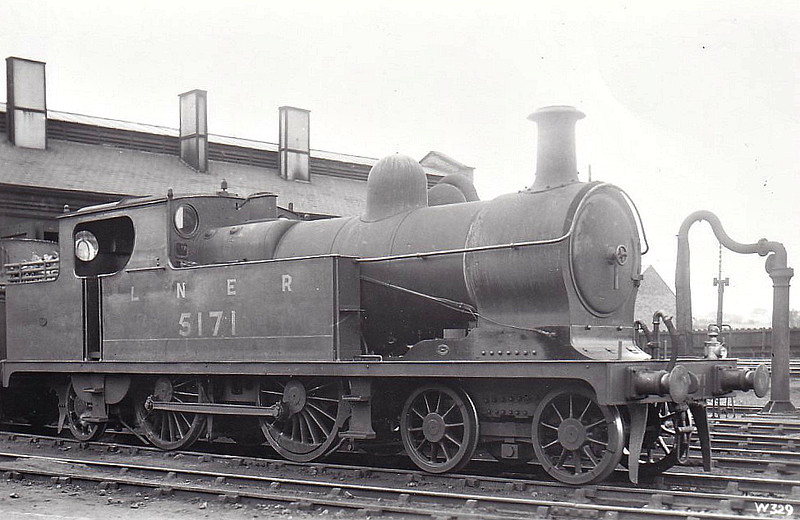 Class C13 - 5171 - Robinson GCR Class 9K 4-4-2T - built 05/03 by Gorton Works as GCR No.171 - 06/26 to LNER No.5171, 03/46 to LNER No.7412, 06/49 to BR No.67412 - 05/54 withdrawn from Wrexham Rhosddu, where seen in 1936.