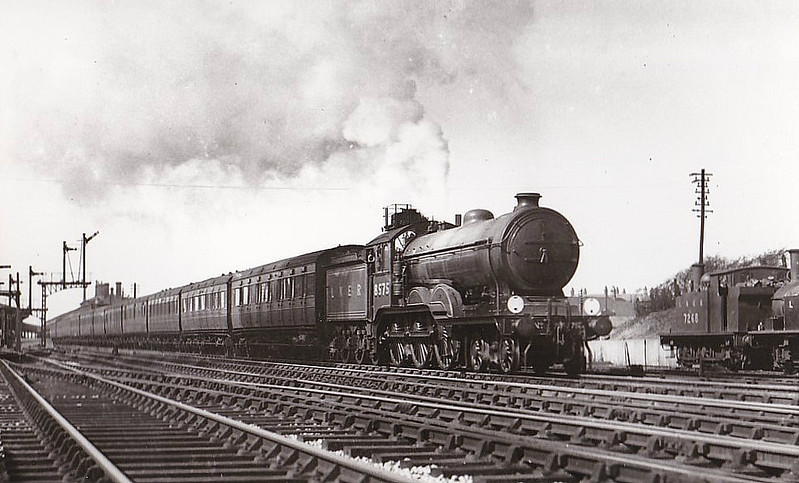 Class B12 - 8575 - Holden/Gresley GER/LNER 4-6-0 - built 01/24 by Beyer Peacock Ltd. - 06/46 to LNER No.1575, 04/48 to BR No.61575 - 04/59 withdrawn from 31A Cambridge - seen here at Colchester.