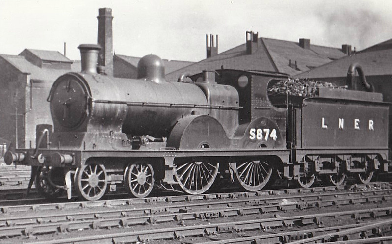 Class D6 - 5874 - Pollitt GCR Class 11A 4-4-0 - built 03/1899 by Beyer Peacock Ltd. as GCR No.874 - 10/24 to LNER No.5874, 11/46 to LNER No.2106 - 12/47 withdrawn from Trafford Park MPD