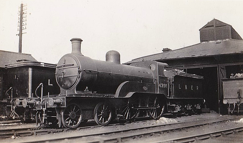Class D2 - 4398 - Ivatt GNR Class D2 4-4-0 - built 10/07 by Doncaster Works as GNR No.1398 - 04/24 to LNER No.4398, 09/46 to LNER No.2191 - 06/47 withdrawn.
