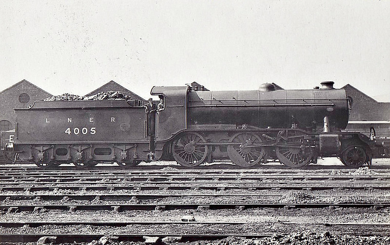 Class K3 - 4005 - Gresley GNR 2-6-0 - built 12/20 by Darlington Works as GNR No.1005 - 01/25 to LNER No.4005, 11/46 to LNER No.1805, 02/49 to BR No.61805 - 09/62 withdrawn from 35A New England.