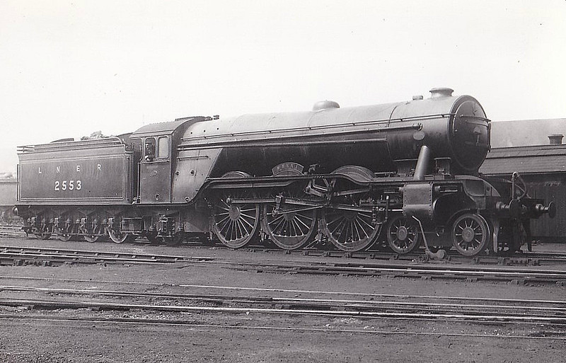 Class A3 - 2553 MANNA - Gresley LNER 4-6-2 - built 12/24 by Doncaster Works - 11/26 renamed PRINCE OF WALES - 09/46 to LNER No.54, 04/48 to BR No.60054 - 06/64 withdrawn from 34E New England.