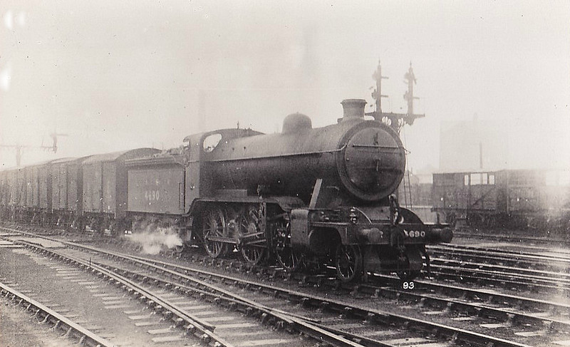 Class K2 - 4690 - Gresley GNR/LNER Class K2 2-6-0 - built 07/21 by Kitson & Co. as GNR No.1690 - 09/25 to LNER No.4690, 02/46 to LNER No.1780, 02/50 to BR No.61780 - 10/59 withdrawn from 38A Colwick.