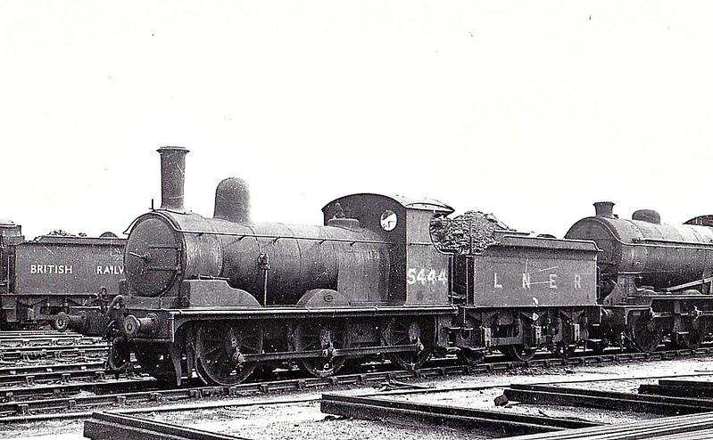 Class J15 - 5444 - Holden GER Class Y14 0-6-0 - built 07/1899 by Stratford Works as GER No.644 - 1924 to LNER No.7644, 09/46 to LNER No.5444, 02/51 to BR No.65444 - 10/58 withdrawn from 30A Stratford, where seen 03/49.