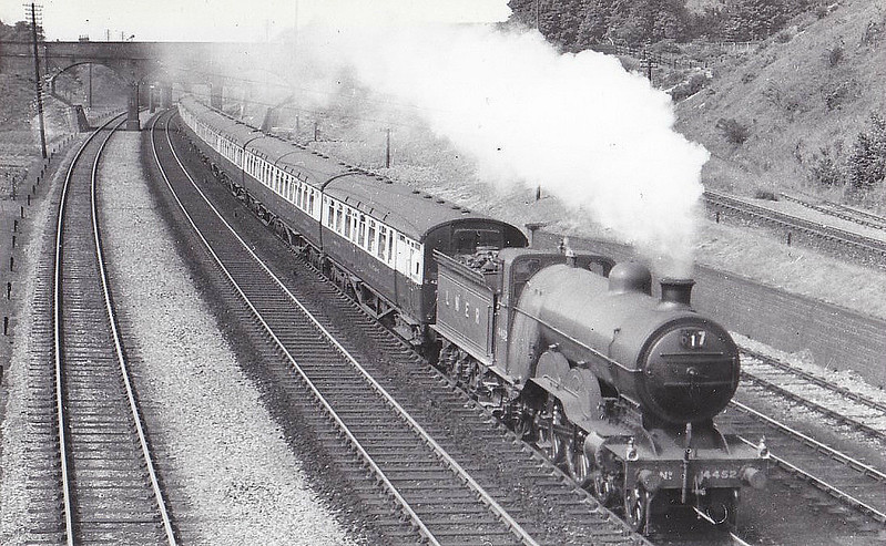 Class C1 - 4452 -  Ivatt GNR 4-4-2 - built 08/10 by Doncaster Works as GNR No.1452 - 03/25 to LNER No.4452, 01/46 to LNER No.2882 - 02/46 withdrawn from Sheffield Darnall MPD - seen here at Sandy, 06/36.