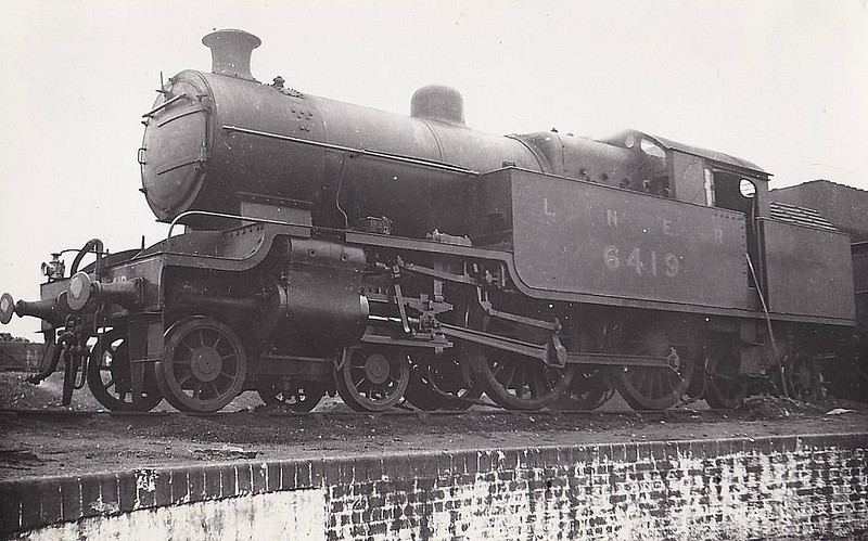 Class H2 - 6419 - Jones Metropolitan Railway 4-4-4T - built 03/21 by Kerr Stuart & Co. as Met No.107 - 03/38 to LNER No.6419 - LNER No.7514 not applied - 09/43 withdrawn from Colwick MPD.