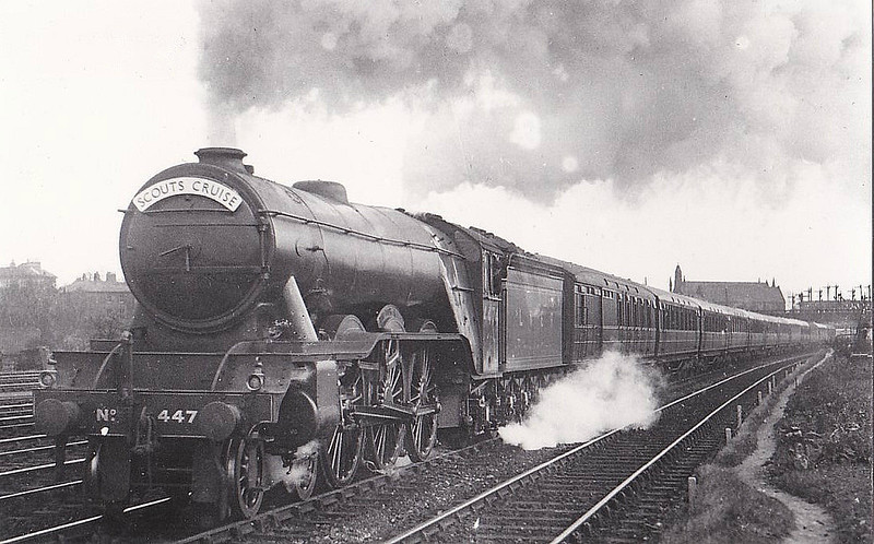 Class A3 - 4474 VICTOR WILD - Gresley 4-6-2 - built 03/23 by Doncaster Works as GNR No.1474 - 11/24 to LNER No.4474. 05/46 to LNER No.105, 08/48 to BR No.60105 - 06/63 withdrawn from 35B Grantham - seen here at York.