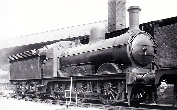 Class J 4 - 4040 - Ivatt GNR Class J5 0-6-0 - built 07/1896 by Doncaster Works as GNR No.1040 - 02/25 to LNER No.4040, 07/46 to LNER No.4109 - BR No.64109 not applied - 10/49 withdrawn from 35A New England - seen here at New England.