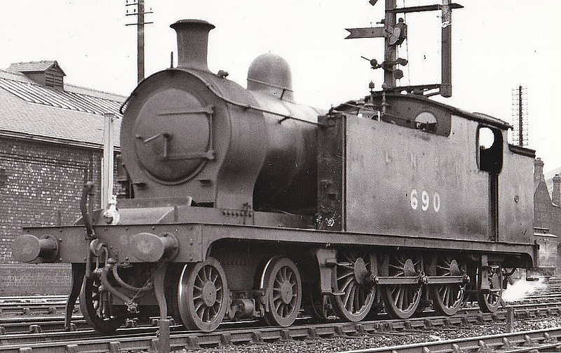 Class A6 - 690 - Worsdell/Raven NER 4-6-2T - built 02/08 by Gateshead Works - 10/46 to LNER No.9794, 12/48 to BR No.69794 - 08/51 withdrawn from 50D Starbeck - seen here at Middlesbrough, 05/37.