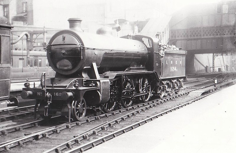Class K2 - 1694 - Gresley GNR/LNER Class K2 2-6-0 - built 07/21 by Kitson & Co. as GNR No.1694 - 05/25 to LNER No.4694, 02/46 to LNER No.1784, 10/48 to BR No.61784 - 03/61 withdrawn from 65J Fort William - seen here at Nottingham Victoria.