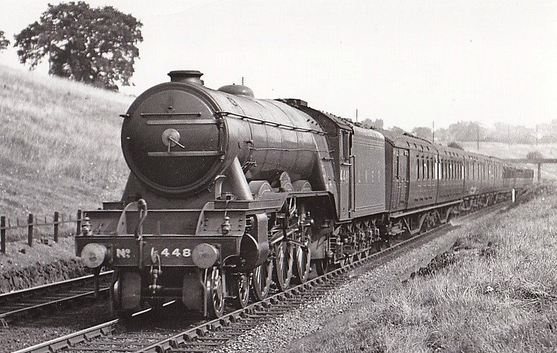 Class A3 - 4481 ST SIMON - Gresley LNER 4-6-2 - built 09/23 by Doncaster Works as GNR No.1481 - 08/25 to LNER No.4481, 05/46 to LNER No.112, 03/49 to BR No.60112 - 12/64 withdrawn from 34E New England - seen here at Potters Bar, 06/30.