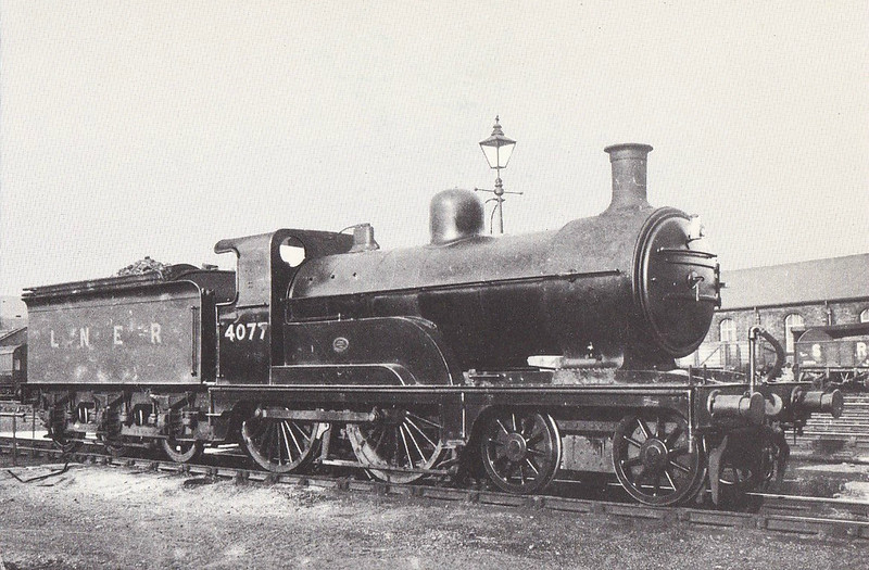 Class D 3 - 4077 - Ivatt GNR Class D3 4-4-0 - built 06/1897 by Doncaster Works as GNR No.1077 - 02/25 to LNER No.4077 - 10/37 withdrawn from Hull Botanic Gardens MPD.