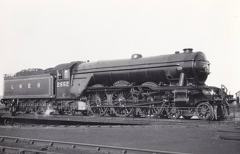 Class A3 - 2552 SANSOVINO - Gresley LNER 4-6-2 - built 12/24 by Doncaster Works - 11/46 to LNER No.53, 02/49 to BR No.60053 - 05/63 withdrawn from 52B Heaton.