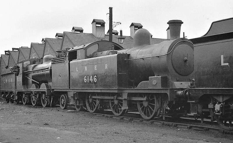 Class M1 - 6146 - Markham LDECR Class D 0-6-4T - built 12/06 by Kitson & Co. as GCR No.1146 - 06/24 to LNER No.6146 - 07/43 withdrawn from Tuxford MPD, where seen.